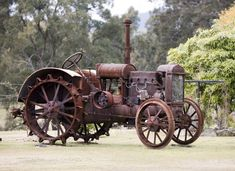 Old tractor, Rust in Peace. Antique Tractors, Vintage Tractors, Old Tractors, John Deere Tractors, Vintage Farm, Case Tractors, Vintage Toys, Antique Cars, Steam Tractor
