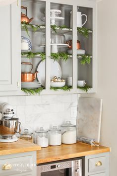 We've decked our halls with simple and elegant touches throughout. We're thrilled to share a classic Christmas home tour with you this holiday season! Boho Kitchen, Kitchen Decor, Christmas Home, Christmas Decor, Christmas Ideas, Christmas Things, Seasonal Decor, Holiday Decor, Holiday Style