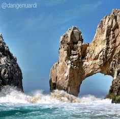 El Arco by Lovers Beach in Los Cabos, Mexico by @Daniel Genuardi #LosCabos #Mexico #travel #beach http://visitloscabos.travel/