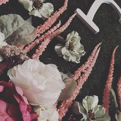 How to DIY garden floral backdrop - coming soon, 2 more days till launch #instagood #darling #bloggerlife #lifestyleblogger #mommyblogger #weekday #yeg #yegblogger #designer #floral #pretty #thatsdarling #pursuepretty #blogpostcomingsoon #unicornparty #bloglaunchingsoon #darlingmovement #momlife #bunnyandmoonbyo#bunnyandmoon