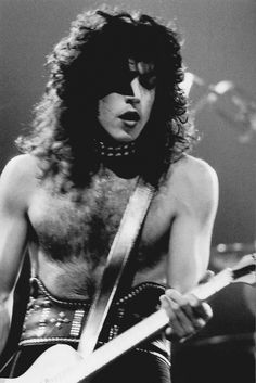 Paul Stanley of Kiss my fav member! Paul Stanley, Hard Rock, Kiss Me Love, Vinnie Vincent, Vintage Kiss, Eric Carr, Peter Criss, Kiss Pictures, Kiss Band