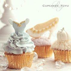 Cupcakes com toppers do tema Cinderella por Cupcakes by Yuyu - Tóquio