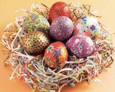 HÚSVÉT Fleurs Diy, Egg Designs, Motif Floral, Easter Eggs, Christmas Bulbs, Make It Yourself, Halloween, Holiday Decor, Blog