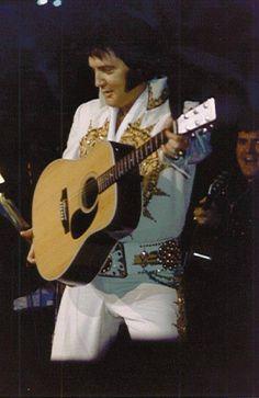 Elvis (good photo)