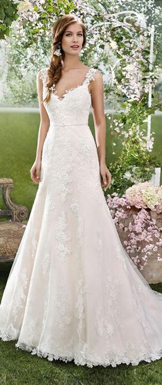 Chic Tulle & Satin V-Neck Sheath Wedding Dresses With Lace Appliques