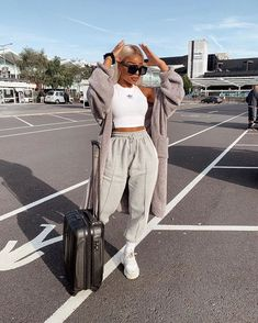 Best Picture For chill outfits black girl For Your Taste You are looking for something, and it is go Cute Lazy Outfits, Chill Outfits, Mode Outfits, Trendy Outfits, Fashion Outfits, Fashion Jobs, Sporty Fashion, Holiday Outfits, Men Fashion