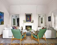 Las claves de un diseño interior vintage están en el glamour de los años 40 y el final de la Segunda Guerra Mundial. Es un tiempo muy elegante en el que el buen gusto reinaba en las estancias de la época.Los tonos neutros y un color audaz para contrastar dan la clave del esquema de color de este estilo decorativo.