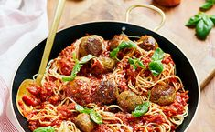 A wholesome alternative to beef these tasty tuna meatballs with a rich and flavourful tomato sauce can be served with any type of pasta or starch.