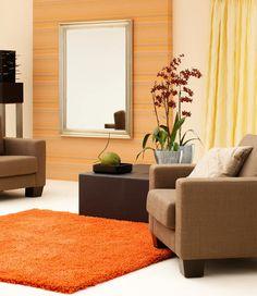 Ein edler Teppich für einen hochwertigen Einrichtungsstil. Die Oberfläche ist seidenweich und die Rückseite ist mit VliesakustiX und X-Profil beschichtet.
