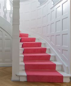 pink carpet on white stairs Pink Carpet, Beige Carpet, Black Carpet, Modern Carpet, White Stairs, Stairs Trim, Interior And Exterior, Interior Design, Interior Doors