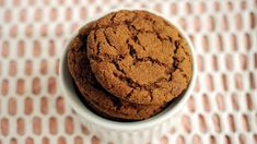 Made with a hint of molasses, these ginger cookies stay soft for days. Get Ginger Cookies Recipe from Delicious Cookie Recipes, Vegan Dessert Recipes, Best Cookie Recipes, Vegan Recipes Easy, Sweets Recipe, Brownie Recipes, Cupcake Recipes, Baking Recipes, Big Soft Ginger Cookies Recipe