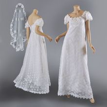 Vntg Priscilla of Boston 1960's Wedding Gown w / Veil  S-M from Maire McLeod on Ruby Lane