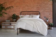 Our best-selling, ever-so-charming Oliver Bed is now available with no foot end in bronze, making it ideal for smaller rooms. There's no centre leg, giving you optimum under-bed storage space. It's a real statement piece you're guaranteed to love. Under Bed Storage, Metal Beds, Ceiling Height, How To Make Bed, Timeless Design, Storage Spaces, Contemporary, Bedrooms, Bronze