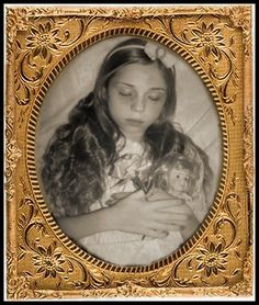 191 best images about Photography - Post-Mortem on . Vintage Photographs, Vintage Photos, Memento Mori Photography, Post Mortem Pictures, Victorian Photography, Post Mortem Photography, Antique Pictures, Momento Mori, Cemetery Art