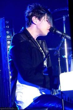 Josh Ramsay - Face The Music Tour: Lover Dearest (Marianas Trench) Love Band, Great Bands, Cool Bands, Marianas Trench Band, Josh Ramsay, Canadian Boys, Music Tours, Face The Music, Piano Man
