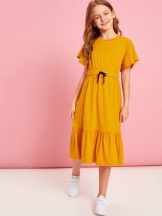 To find out about the Girls Flutter Sleeve Drawstring Waist Ruffle Hem Dress at SHEIN, part of our latest Girls Dresses ready to shop online today! Preteen Girls Fashion, Teenage Girl Outfits, Girls Fashion Clothes, Kids Outfits Girls, Little Girl Dresses, Girly Outfits, Cute Comfy Outfits, Girl Fashion, Girls Dresses
