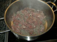 Béchamel-Hackfleisch-Lasagne von Kochprofie | Chefkoch Iron Pan, Cooking Recipes, Beef, Food, Ground Meat, Lasagna, Food Portions, Chef Recipes, Essen