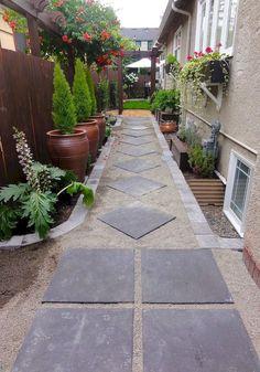 Smart Ideas For Small Backyard Patio & Garden Landscaping - Backyard Landscaping Small Front Yard Landscaping, Small Backyard Gardens, Backyard Patio Designs, Landscaping Ideas, Backyard Ideas, Garden Landscaping, Garden Ideas, Garden Path, Potager Garden