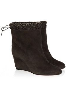 Christian Louboutin|Toufure 85 shearling-lined suede ankle boots|NET-A-PORTER.COM - StyleSays Shoes Too Big, Pretty Shoes, Sweater Sale, Suede Ankle Boots, Must Haves, Lust, First Love, Christian Louboutin, Celebs