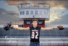 Senior Session Investment Guide from Crockette's Images Senior Football Photography, Football Senior Photos, Football Poses, Football Pictures, Sport Photography, Unique Senior Pictures, Senior Pictures Sports, Sports Photos, Senior Boy Poses