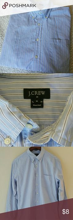 "Men's J. Crew Button Down Dress Shirt Size Medium J. Crew Long Sleeve Tailored Fit Button Down Dress Shirt for Men Size M. 100% cotton. Pre-loved shirt, just doesn't fit right anymore. Great for work or casual. In really great condition. Please see measurements: Chest 19"", Shoulders 17"", Sleeve 25"", Length 29"" (shirt is measured buttoned up and lying flat) Comes with 3 extra buttons. J. Crew Shirts"