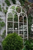 My Petit Parterre is a fabulous blog where I found this beautiful feature for a courtyard.