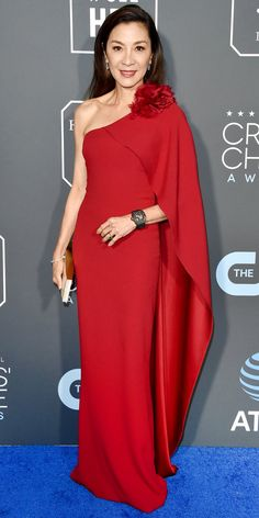 The Looks You Can't Miss from the 2019 Critics' Choice Awards Red Carpet Michelle Yeoh, Star Fashion, Fashion Beauty, Kimono Fashion, Women's Fashion, Critic Choice Awards, Critics Choice, Korean Beauty Girls, Glamour