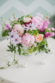 A centerpiece in pinks