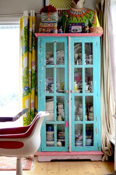 Coco Sheils vintage home interior decorating style