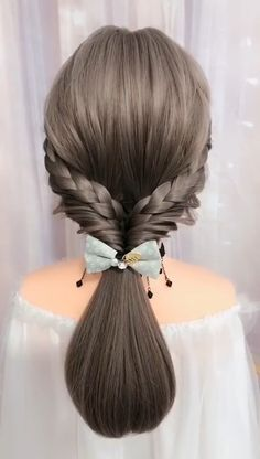 Girls with long hair tie up their hair very much, but what style of hairstyle can they tie up their hair? Handsome girls can learn to weave their hair into these beautiful girls' braids. Easy Hairstyles For Long Hair, Braids For Long Hair, Cute Hairstyles, Beautiful Hairstyles, School Hairstyles, Videos Of Hairstyles, Wedding Hairstyles, Easy Party Hairstyles, Brown Hairstyles
