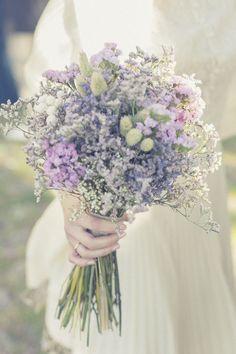 Discover amazing weddings tips. Purple Wedding, Floral Wedding, Wedding Flowers, Dream Wedding, Wedding Day, Wedding Tips, Bride Bouquets, Bridesmaid Bouquet, Wedding Favours Luxury