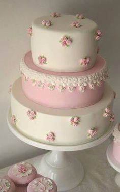 Little Rosebuds-on-a-Cake in Relief.