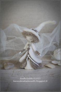 Statuette en laine cardée feutrée, esprit de fée, couleurs naturelles-n°3 : Accessoires de maison par les-vendredis-de-nath