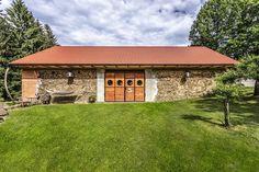 Arch Interior, Barn, Mansions, House Styles, Outdoor Decor, Home Decor, Nova, Google, Ideas