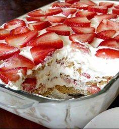Strawberry Cream Cheese Icebox Cake Strawberry Icebox Cake, Strawberry Recipes, Strawberry Juice, Strawberry Cream Cheese Dessert, Strawberry Delight, Strawberry Dream Cake Recipe, Strawberry Whipped Cream Cake, Strawberry Shortcake Dessert, Whipped Cream Desserts