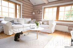 Sisäkatto tommonen valkonen, mutta hirret jäisi näkyviin Couch, Furniture, Home Decor, Settee, Decoration Home, Sofa, Room Decor, Home Furnishings, Sofas