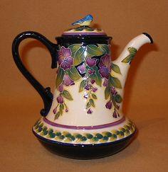 Wisteria Teapot with blue bird knob