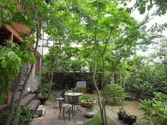 雑木の庭,造園のことなら高田造園設計事務所へ Farm Gardens, Small Gardens, Outdoor Gardens, Green Cafe, Tiny House Exterior, House In Nature, Outdoor Retreat, Deck, Greenhouse Gardening