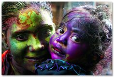Bathed in the same colors [..Dhaka, Bangladesh..] by Catch the dream, via Flickr