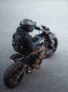 Ducati Scrambler Custom, Cafe Racer Motorcycle, Motorcycle Outfit, Custom Cafe Racer, Cafe Racer Bikes, Cafe Racing, Auto Racing, Bike Photoshoot, Motorcycle Photography