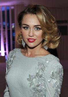 Google Image Result for http://stylestylestyle.com/images/2012/05/Miley-Cyrus-Medium-Curly-Hairstyle.jpg