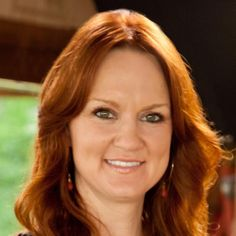 ❤️Pioneer Women❤️ Ree is a writer, photographer, ranch wife and mother of four. She is now host of Food Network's hit show The Pioneer Woman. Cooking Network, Food Network Recipes, Cranberry Orange Cookies, Crockpot Recipes, Cooking Recipes, Pioneer Woman Recipes, Pioneer Women, Backyard Movie Nights, Pasta