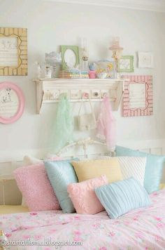 Shabby chic bedroom furniture pastel ideas for 2019 Modern Shabby Chic, Shabby Chic Bedrooms, Shabby Chic Homes, Shabby Chic Furniture, Shabby Chic Decor, Pastel Furniture, Trendy Bedroom, Repurposed Furniture, Furniture Ideas