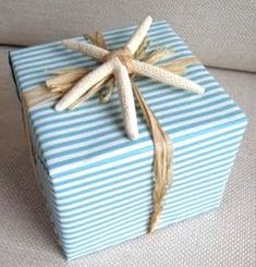 Coastal Chic Christmas, nautical giftwrapping