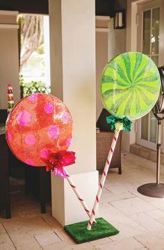 Little Wish Parties | Hansel and Gretel Birthday Party | https://littlewishparties.com