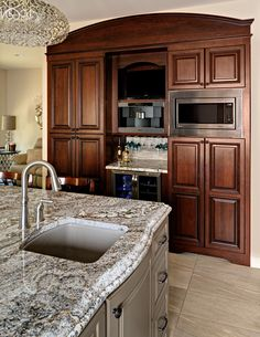 Brookwood cabinet door alameda in cherry w butterscotch for Brookwood kitchen cabinets