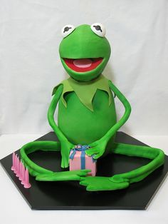 Kermit the Frog cake by Creative Cakes by Julie, via Flickr