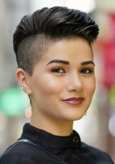 Brave Short Haircut With Shaved Sides Find Your Perfect From These Pretty Popular Short Haircuts! The post Brave Short Haircut With Shaved Sides Find Your Perfect From These Pretty Popul appeared first on Best Diy Hair Style. Pixie Cut Blond, Pixie Haircut For Thick Hair, Haircuts For Fine Hair, Curly Pixie, Punk Pixie Haircut, Undercut Pixie, Long Curly, Thin Hair, Girls Short Haircuts