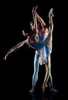 American Ballet Theatre dress rehearsal of Edward Liang's Ballo Per Sei • photo: Lensic Performing Arts Center on Flickr