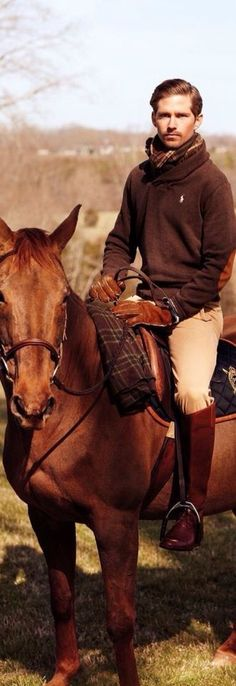 The most important role of equestrian clothing is for security Although horses can be trained they can be unforeseeable when provoked. Riders are susceptible while riding and handling horses, espec… Men's Equestrian, Equestrian Outfits, Equestrian Fashion, English Gentleman, Gentleman Style, Mode Masculine, Horse Riding, Riding Boots, Riding Gear